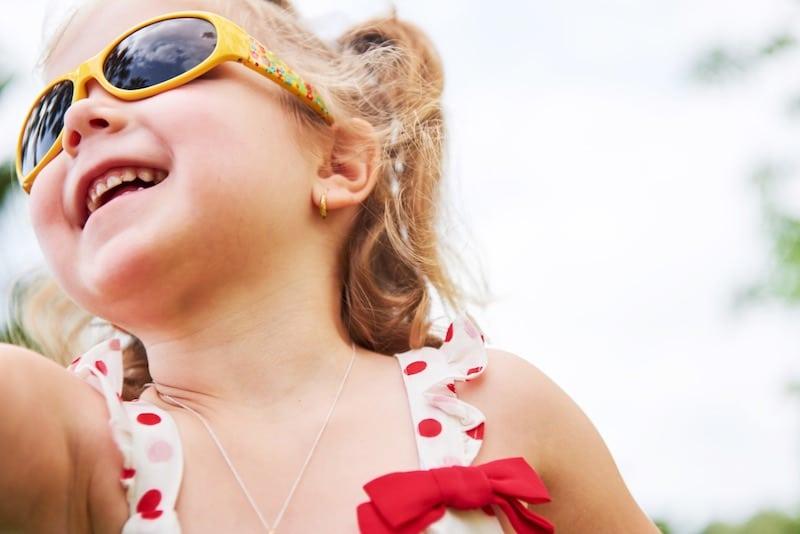 lunettes de soleil pour bébé